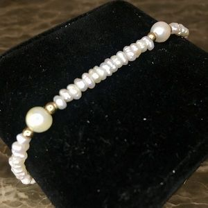 Jewelry - Genuine Freshwater Pearl Gold VTG Bracelet